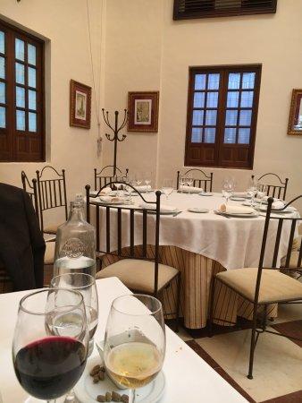Ecija, Spania: Vista de las mesas del comedor