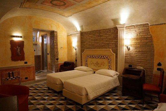 多納特洛酒店