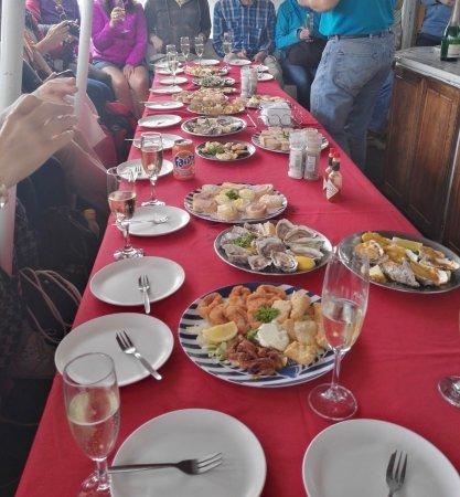Walvis Bay, Namibia: Comida, ostras y champán un buen final para una buena excursión.