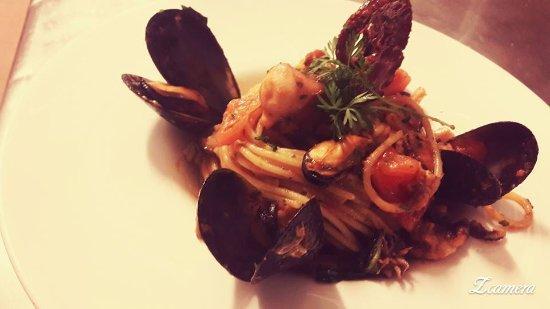 Al Bracere: spaghetto allo scoglio