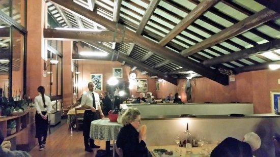 Αμπάνο Τέρμε, Ιταλία: Panoramica della Sala al primo piano