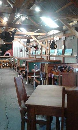 Bot River, Sudáfrica: Inside with the train coach seats