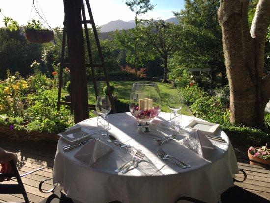 Motueka River Lodge: Our lovely table for dinner