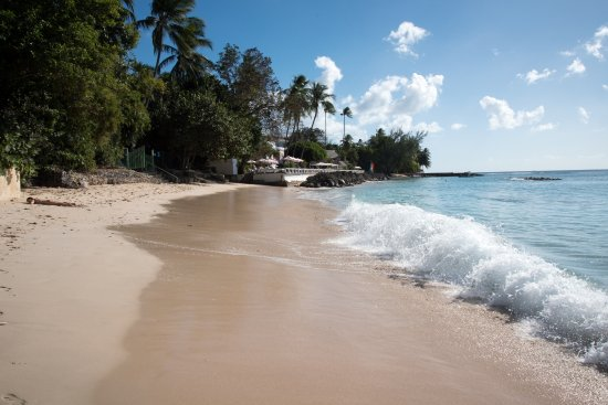 Cobblers Cove: Looking back at the Hotel from Speightstown Beach.