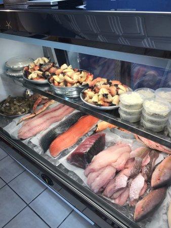 Fresh catch fish market and grill sarasota omd men om for Fish market sarasota