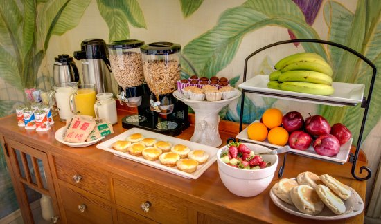 Auld Sweet Olive Bed and Breakfast: A sample of breakfast offerings
