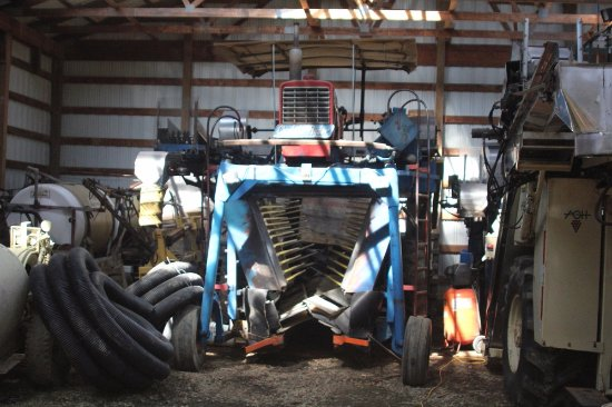 Vineyard Bed and Breakfast: Machinery to take care of the vineyards