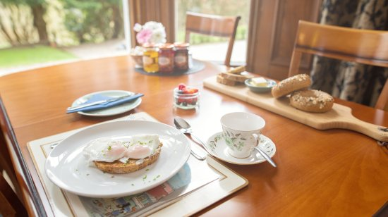 Balmuirfield House Bed and Breakfast: Breakfast time