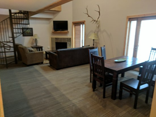 Taos Ski Valley, NM: Snakedance Condominiums