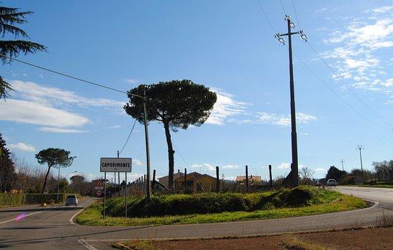 Bolsena, Italy: Ingresso nel paese di Capodimonte