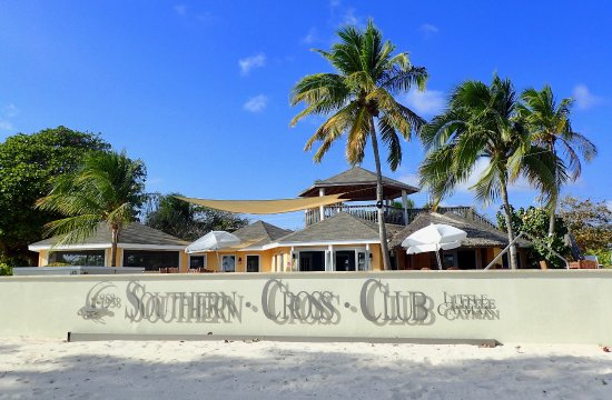 Southern Cross Club: The Southern Cross pool and central area