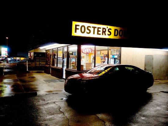 Delano, Калифорния: Fosters Donuts