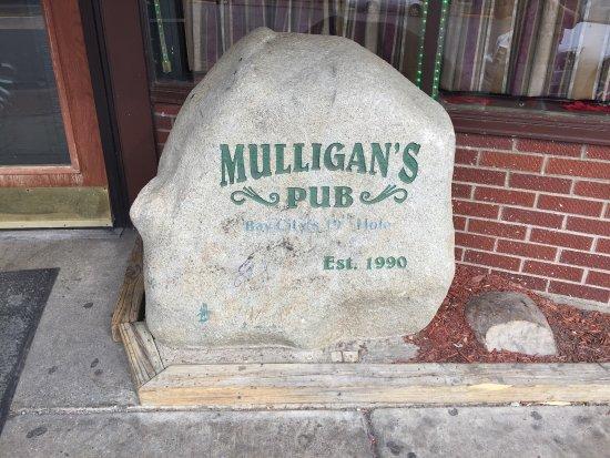Mulligan's Pub : Mulligans