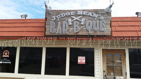Judge Bean's BBQ: store front