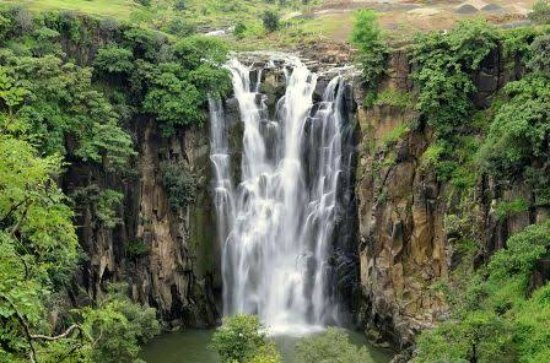 Indore, India: Patalpani Waterfall