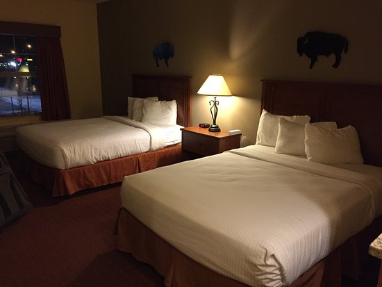 AmericInn Hotel & Suites Fargo South — 45th Street: photo0.jpg