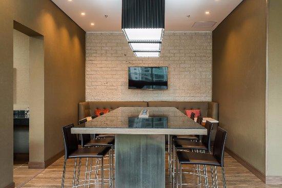 hampton by hilton medellin award winner updated 2018. Black Bedroom Furniture Sets. Home Design Ideas