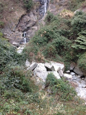 Lushan County, Kina: Craggy areas