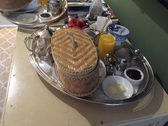 Soniat House: Breakfast tray