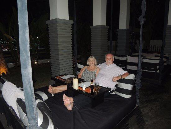 Great Kroya Restaurant: Swinging Table Seat