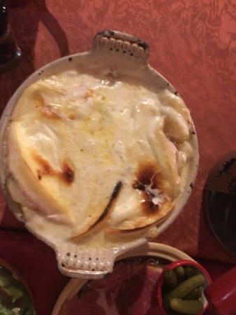 Restaurant Le Loup Comble: Le plat traditionnel avec l'abondance