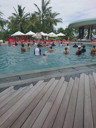 Club Med Bali: le cours d'aquagym a beaucoup de succès