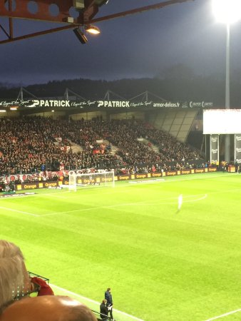 Guingamp, Frankreich: Welcome to l'espace Armor. Super Match de l'En Avant