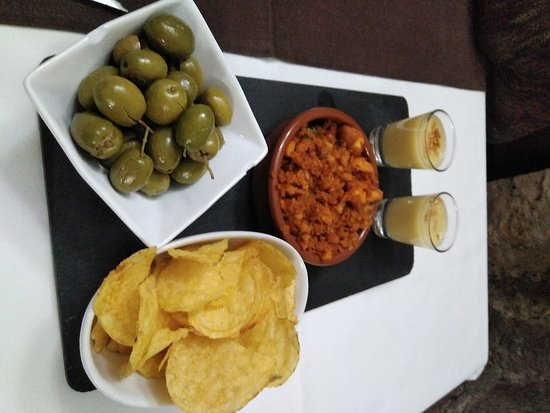 Mura, Ισπανία: Comida muy rica y abundante