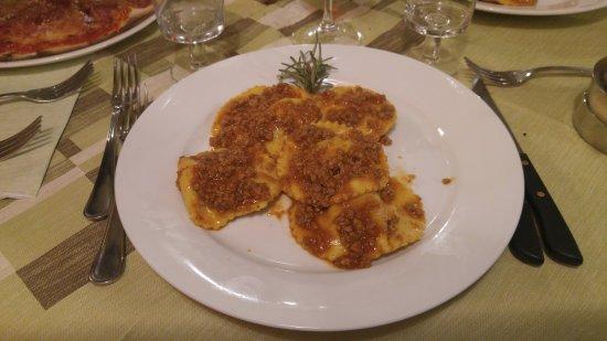 Colle di Compito, Itálie: Tordelli casarecci al ragù