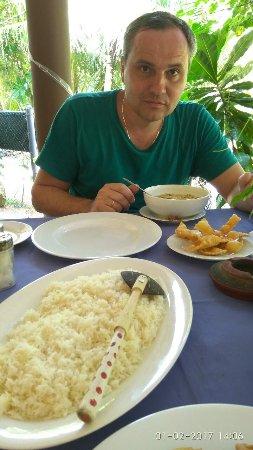 Blow Hole Restaurant : image-0-02-05-d5164e588feb6c5d14465ba60e78ca5a7e5defe05218c88b6672607562e936df-V_large.jpg