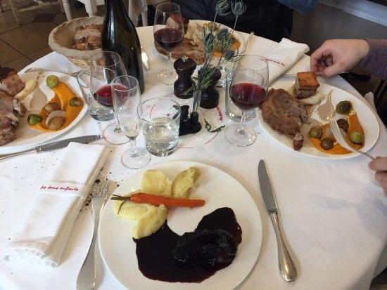 Les Bons Enfants: Joue de bœuf, mariné dans le vin, délicieux