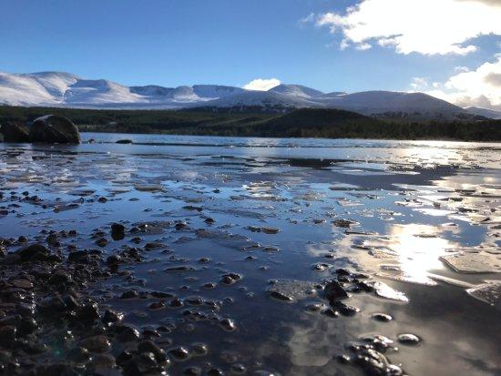 Aviemore, UK: Fragmented ice in winter