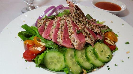 Trenton, MI: Grilled Ahi Tuna Salad