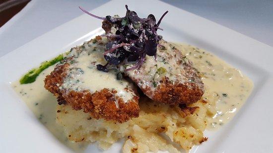 Trenton, MI: Chef Inspired Chicken Savannah