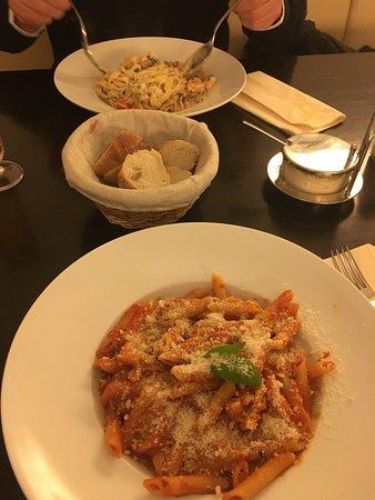 Essbar München tony s essbar munich restaurant reviews phone number photos