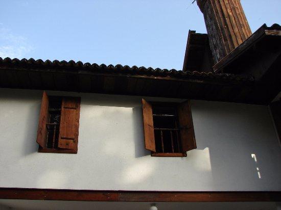 Kacak Lutfiye Cami