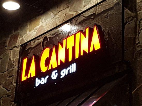 Marion, IA: La Cantina Bar N Grill