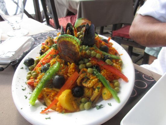 Perla Del Mar: Tasty Paella