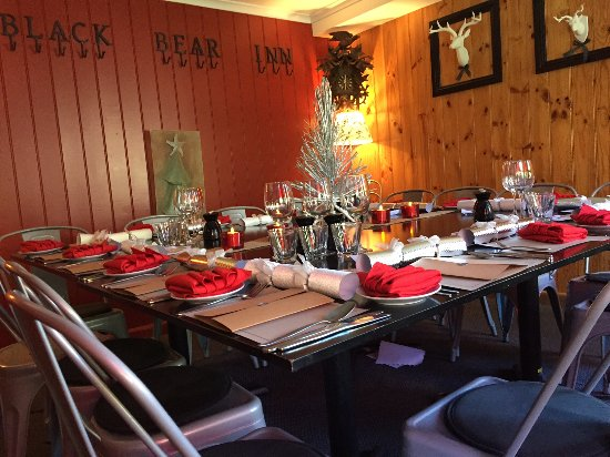 Thredbo Village, ออสเตรเลีย: Christmas Lunch at Black Bear Inn