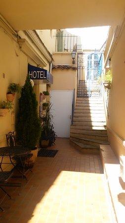 Hotel De France : L'entrée principale