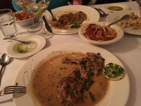 Kingston, Nowy Jork: Veal Piccata and Veal Francese
