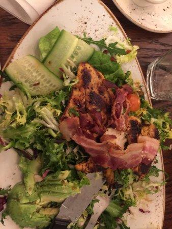 Баллеруп, Дания: Ik så lækkert brændt kylling og halv stegt bacon 😕