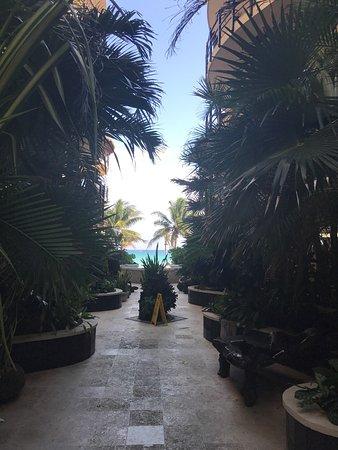 El Taj Oceanfront & Beachside Condos Hotel: photo0.jpg