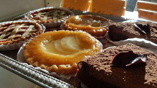 Kingston, Canada: Almond tarts.