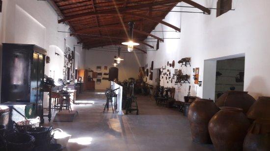 Province of Mendoza, อาร์เจนตินา: Parte del museo y las cosas que se utilizaban hace décadas en la elaboración del vino