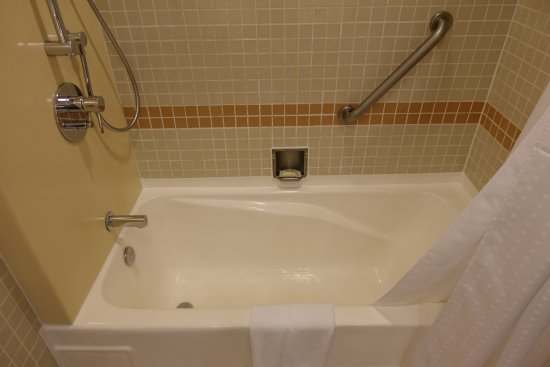 Old-style bath-tub. - Picture of Holiday Inn Singapore Atrium ...