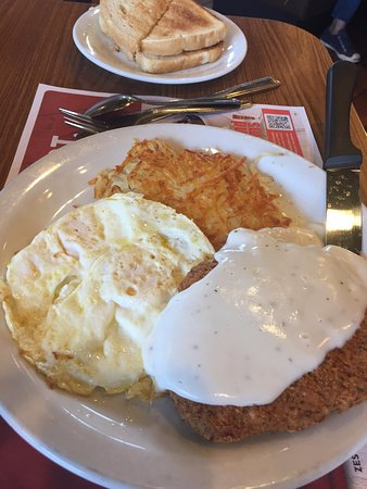 National City, CA: Chicken fried steak and eggs