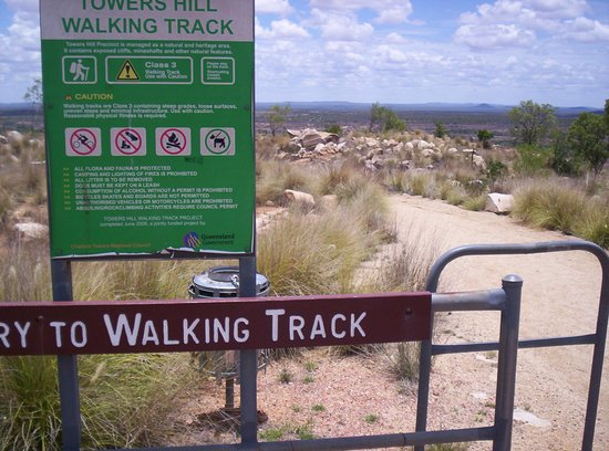 Charters Towers, Avustralya: Walk to Old Pyrites Works