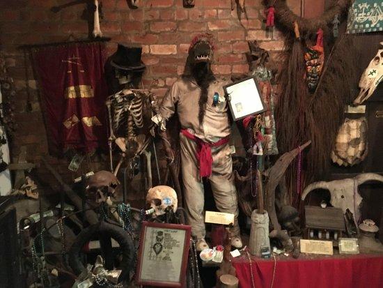 New Orleans Historic Voodoo Museum: photo0.jpg