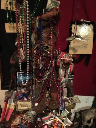 New Orleans Historic Voodoo Museum: photo1.jpg